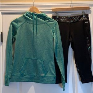 Active Workout Set. Sweatshirt & Capri